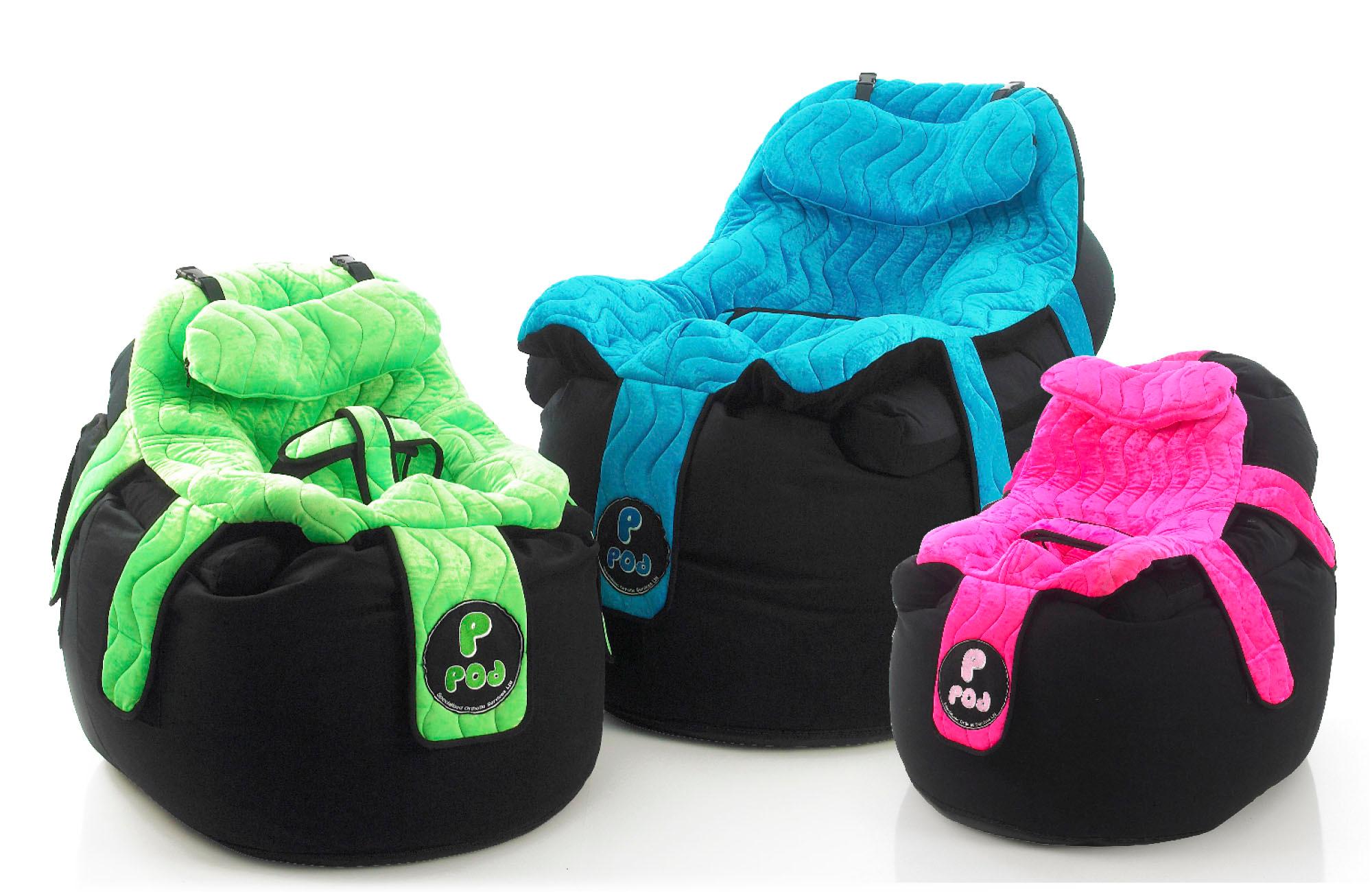 Tre P Pod-varianter i ulike størrelser, grønn, blå og rosa, gir tilpasset holdningstøtte til alle slags kropper.